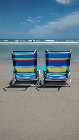 Tropical Winds Oceanfront Hotel: Bord de mer