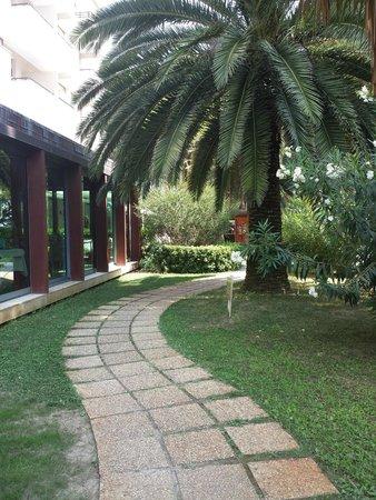 Hotel Baltic : passeggiata romantica al lato della seconda sala ristorante