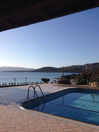 Residence Hotel Porto Mannu : Colazione vista mare