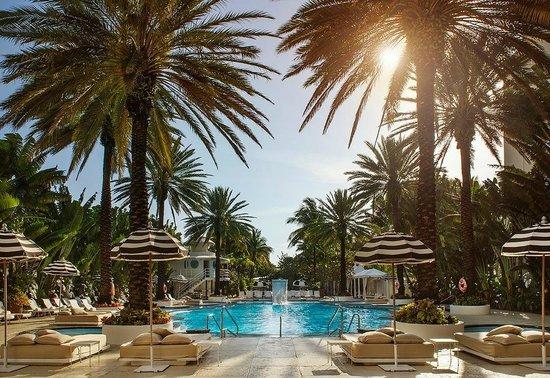 The Raleigh Miami Beach: piscine top