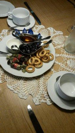 Masha Restaurant: Tea is served like that
