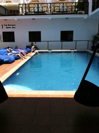 Mad Monkey Hostel Siem Reap: Pool