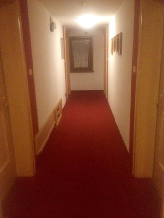 Hotel St Michael: Corridoio interno