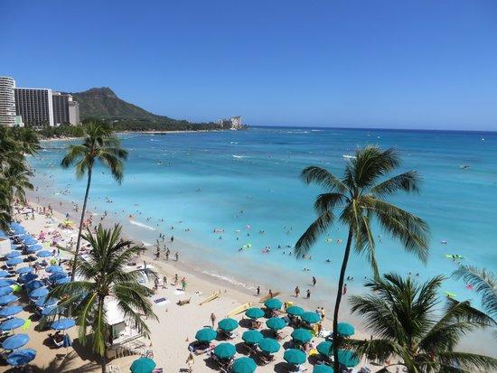 Outrigger Waikiki Beach Resort: ダイヤモンドヘッドが近くに見える