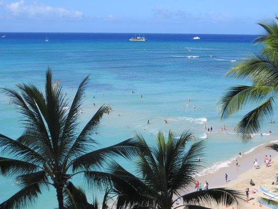 Outrigger Waikiki Beach Resort: ビーチは、本当に目の前