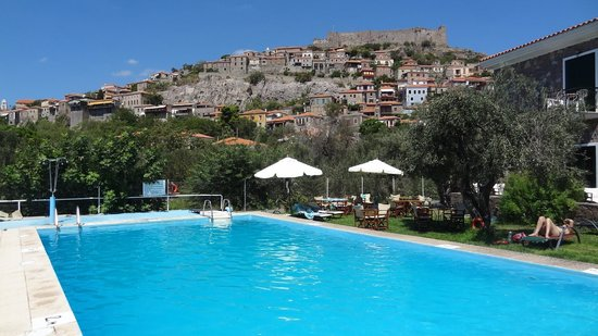 Amfitriti Hotel: View from the Pool