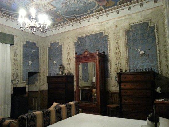 Casa Raffaele Conforti: фрески комнаты