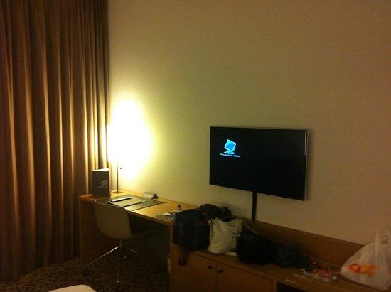 Pullman Basel Europe Hotel : camera