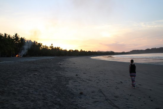 Casitas LazDivaz: Samara beach at sunrise