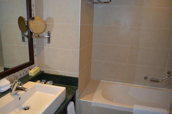 Crowne Plaza Hotel Antalya: Standard Room on the 2nd Floor
