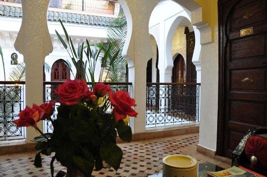 Riad charme d 39 orient b b marrakech maroc voir les for Salon zen rabat tarifs