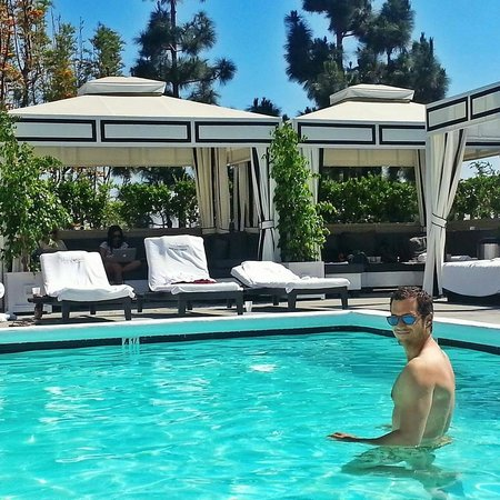 Beautiful roof top pool - Chamberlain West Hollywood