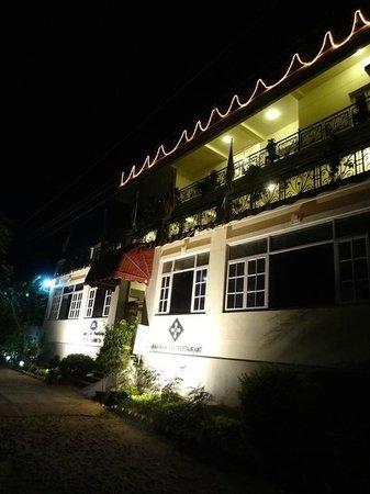 Hotel Ashreya