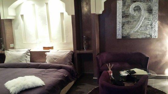 Riad Carllian: Chambre suite