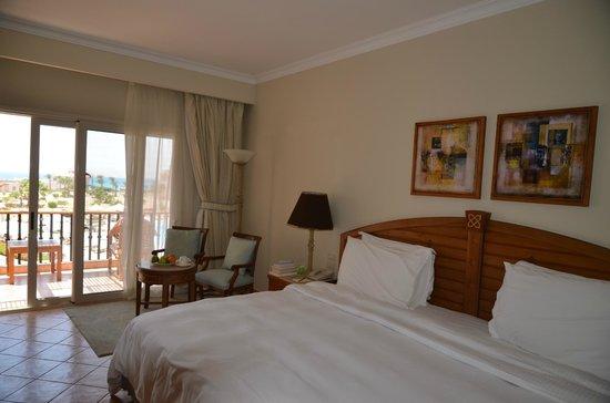 Kempinski Hotel Soma Bay : Chambre très lumineuse.