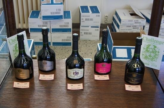 Champagne Charles de Cazanove: lovely range of Champagne
