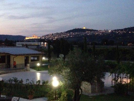 Il Casale di Monica: Vista di Assisi