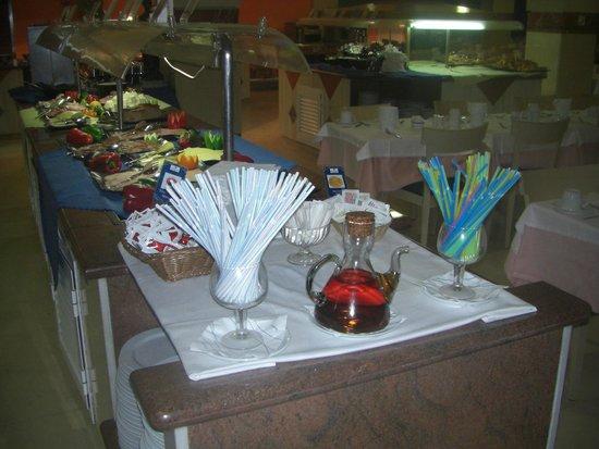 IFA Altamarena Hotel : Immer sauber - hier ist alles vorhanden - zum Würzen etc.