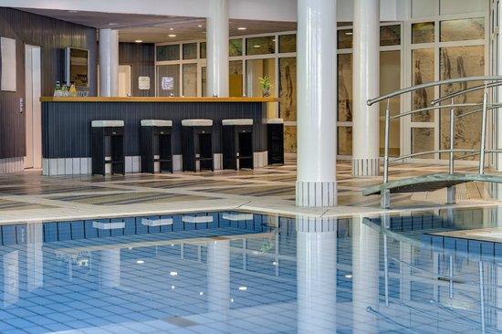 Radisson Blu Hotel Dortmund: Pool Bar