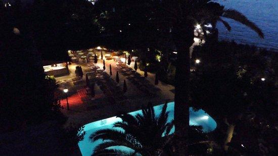 Grand Hotel Ambasciatori: Vue de notre chambre le soir. Superbe
