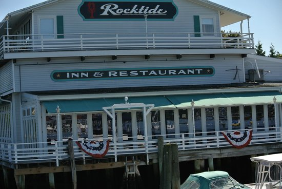 ‪‪Rocktide Inn & Restaurant‬: view from the water‬