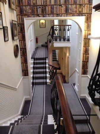The Roseate Villa Bath: Hallway