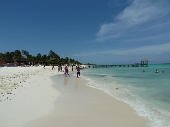 Azul Beach Resort The Fives Playa Del Carmen: Beach view