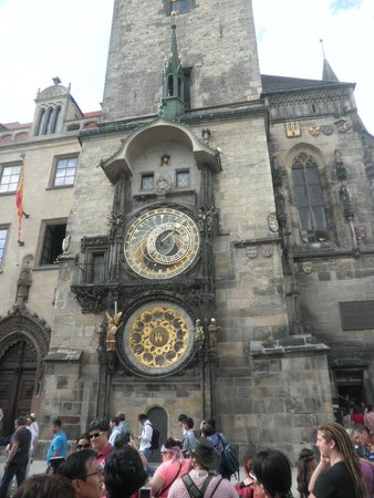 Old Town Hall and Astronomical Clock : Το ρολοι