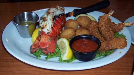 The Boathouse Seafood Restaurant: YUM!