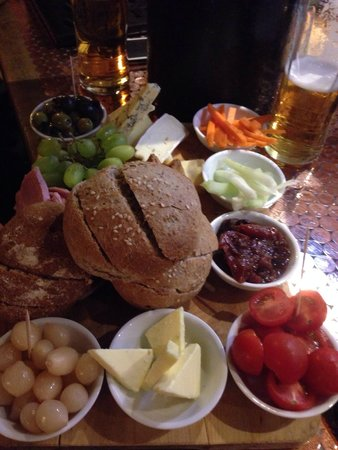 Sharing ploughmans picture of the jinnie rolleston for Food bar rolleston