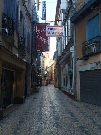 Hotel de l'Europe: La ruelle de l'hôtel.