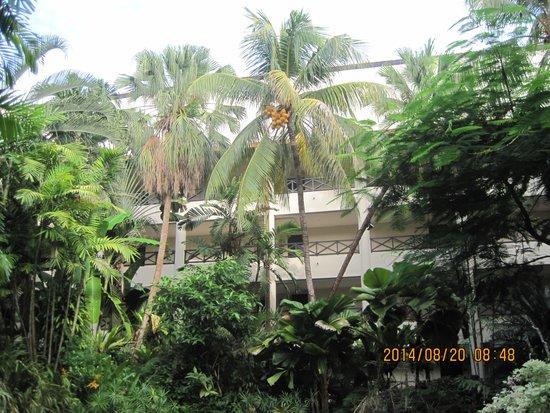 Shangri-La's Tanjung Aru Resort & Spa: タンジュンアルウィング中庭