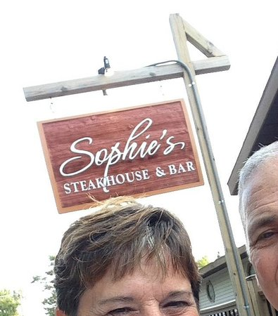 Sophie's Steakhouse : In front of Sophie's after dinner