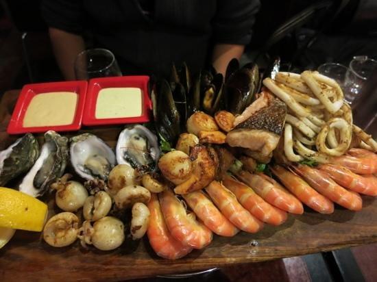Vons Restaurant & Bar: シーフードプレート