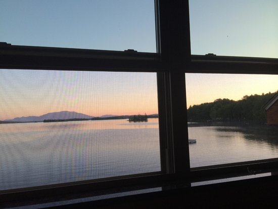 5 Lakes Lodge: View from Our room