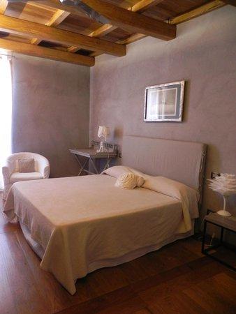 Residenza Farnese: La camera