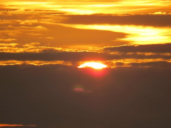 Salt Marsh Kitchen: The sun goes down at Tywyn beach