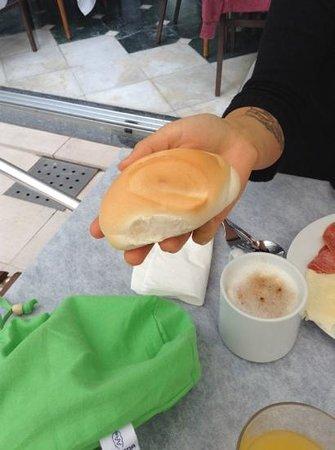 Ca' del Moro Foresteria: frukostbröd.....?