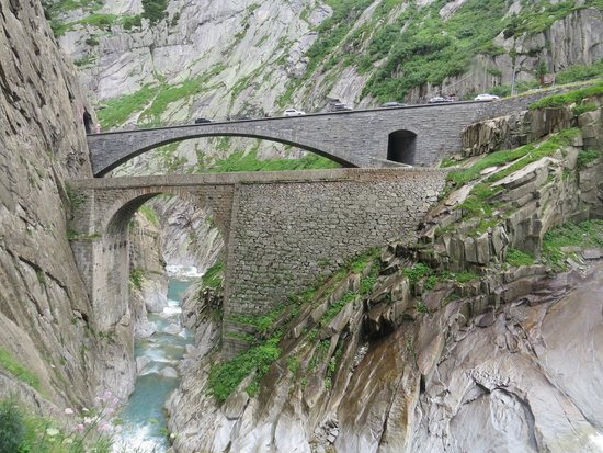 Teufelsbrücke : It's worth a stop, even it it's only to take a break from driving.