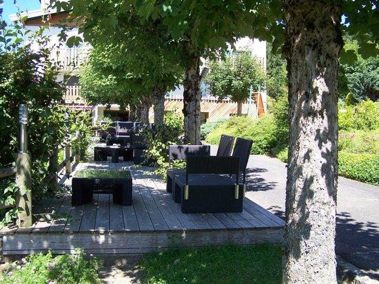 Clair Matin: salon de jardin