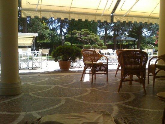 Continental Terme Hotel: terrasse du bar