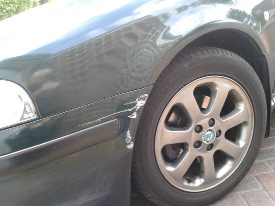Rockliffe Hall: damaged car!