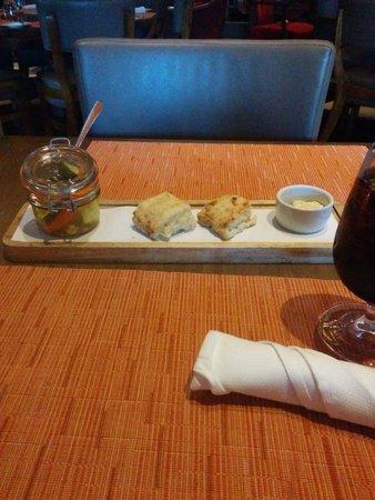 InterContinental Buckhead Atlanta: Included Bread and picked vegetables
