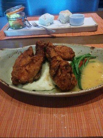 InterContinental Buckhead Atlanta: Fried Chicken at Southern Art