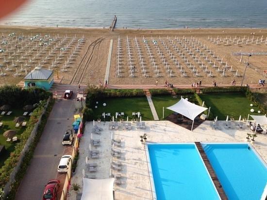 Adriatic Palace Hotel: Утро