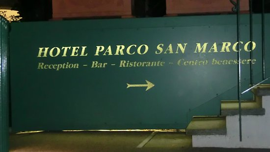 Parco San Marco Lifestyle Beach Resort: Entrance