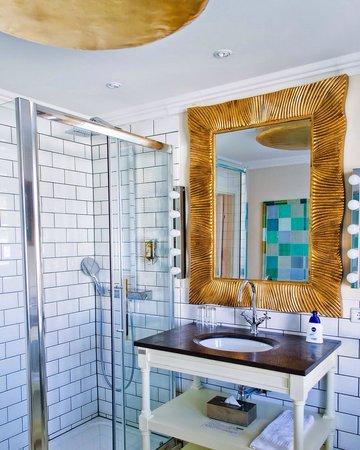 Ackselhaus: Picasso room bathroom, more pics at simplycyn.com