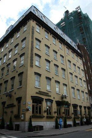 Hotel Clarendon : Front