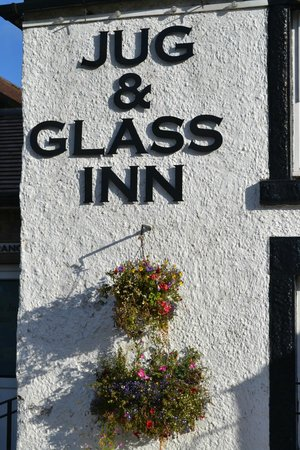 The Jug and Glass Inn: Nice modern touches to an olde worlde Inn