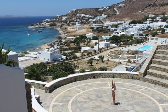 Mykonos Grand Hotel & Resort : Yoga/outdoor amplitheatre
